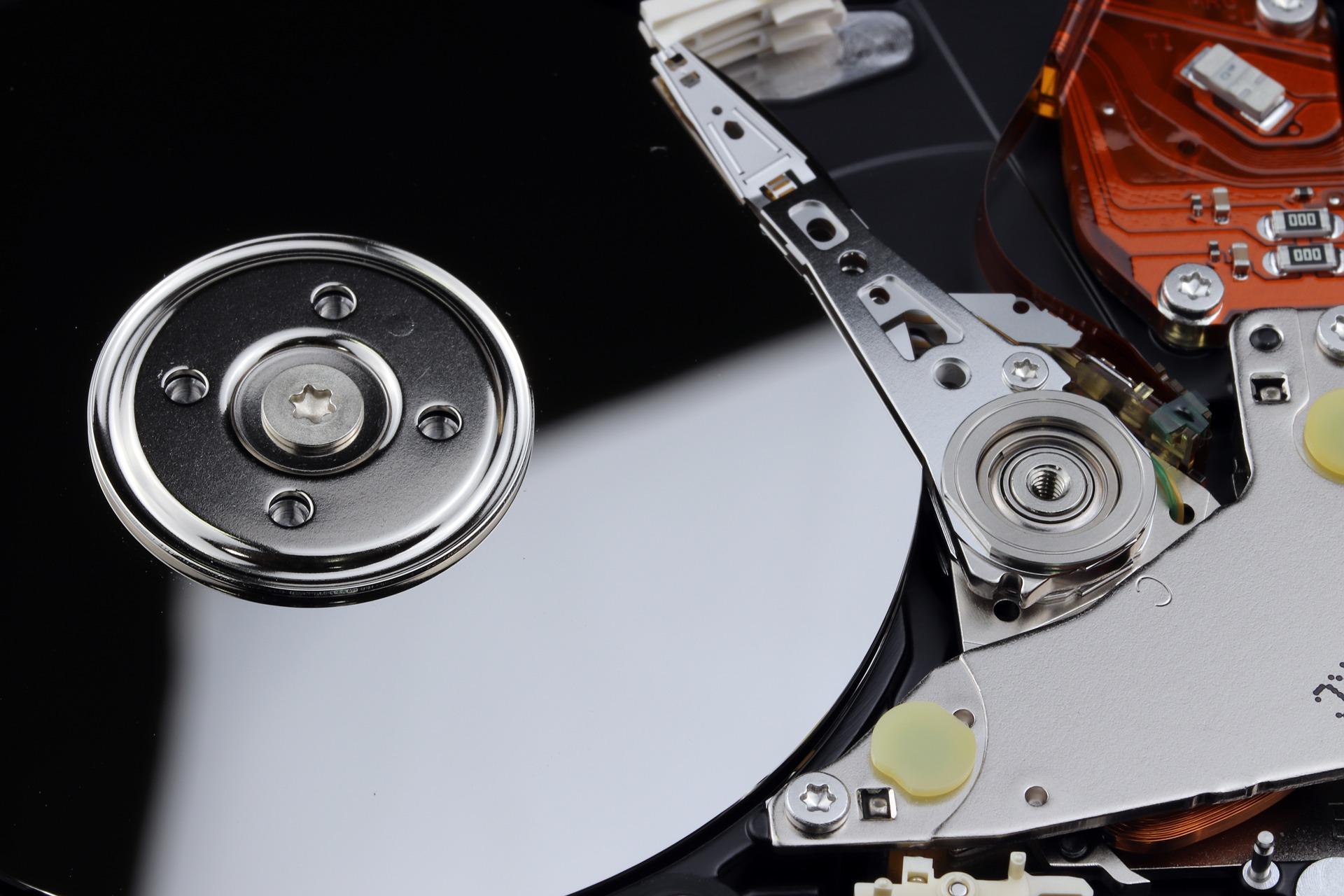Perawatan Harddisk Menggunakan Disk Defragment